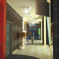 Фитнес центр: входная зона в зал кардиотренажёров